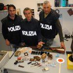 Porto Recanati (MC)-arresto per spaccio di sostanze stupefacenti e detenzione di arma clandestina