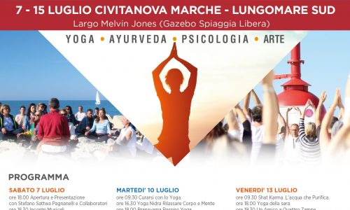 Torna lo yoga in spiaggia a Civitanova